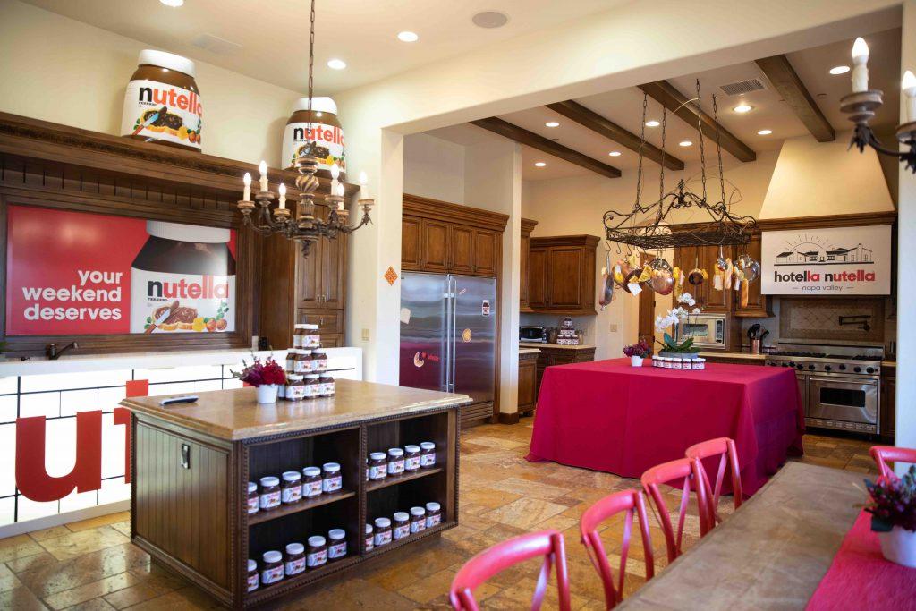Image for Ferrero: Hotella Nutella
